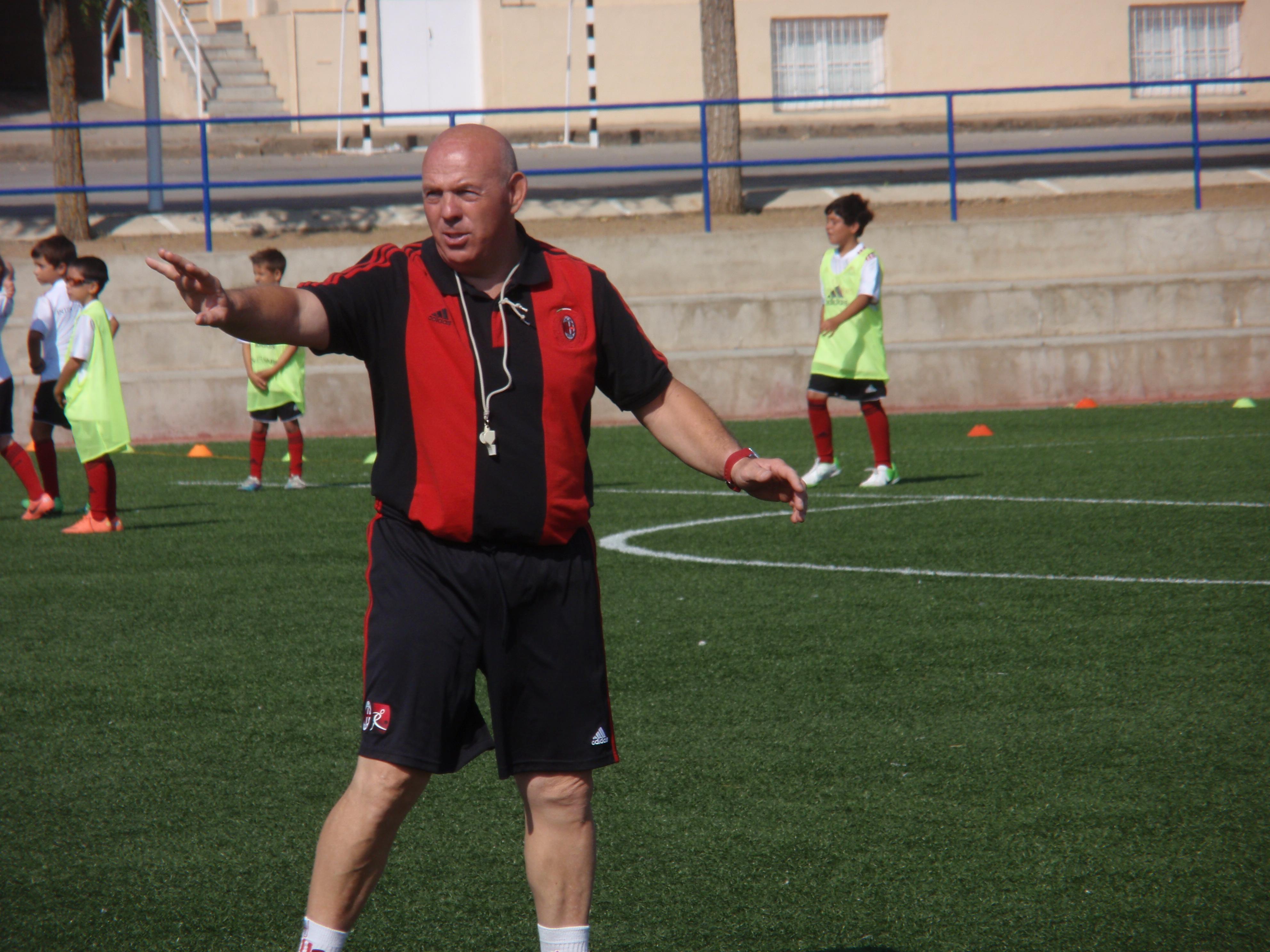 Fútbol y entretenimiento en las instalaciones del Colegio San José